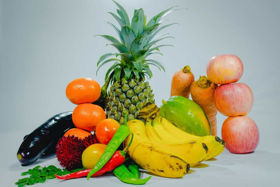 WHAT ARE THE FRUITS AND VEGETABLES THAT WE NEED TO EAT TO HAVE A STRONG IMMUNE SYSTEM